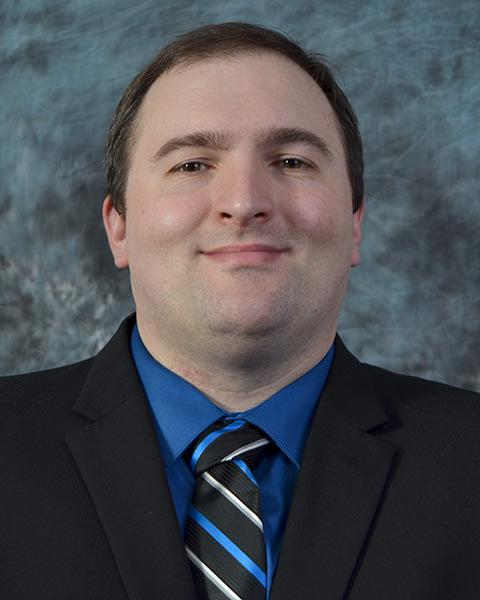 Headshot of Kyle Van Haren